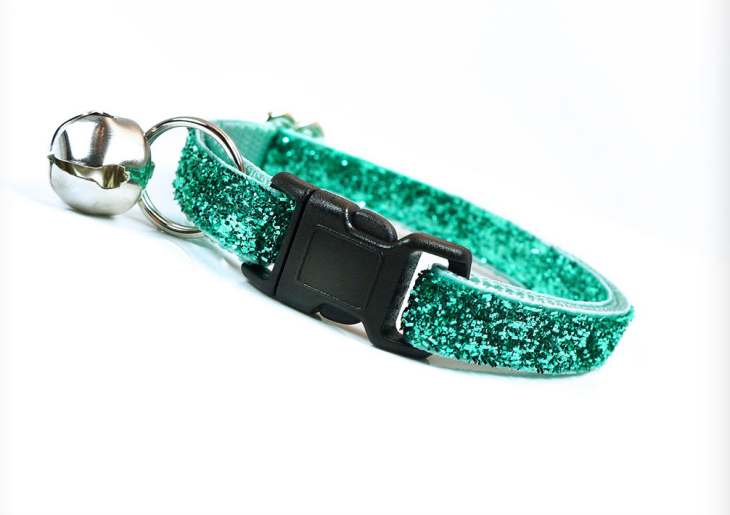 sparkly green dog collar